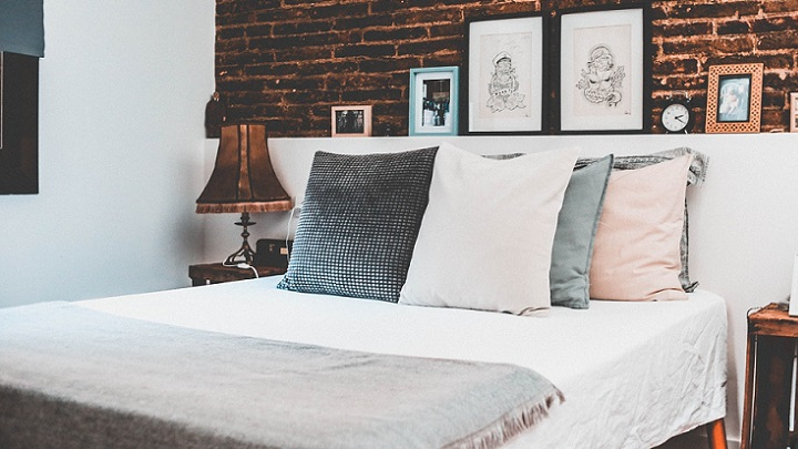 decorate the bedroom